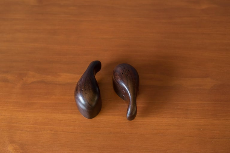 Mid-Century Modern Early Vintage Rosewood Salt and Pepper Shaker Set by Don Shoemaker For Sale