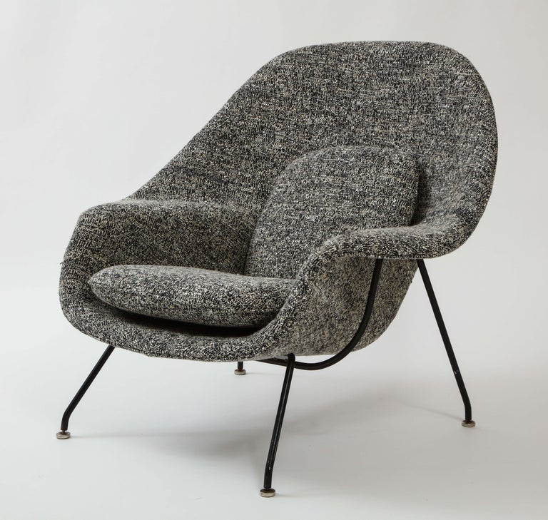 Mid-Century Modern Early Womb Chair and Ottoman, Eero Saarinen For Sale