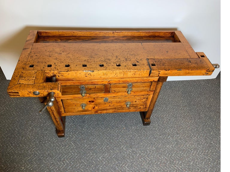 Early 20th Century Workbench with Three Drawers In Excellent Condition For Sale In Lambertville, NJ