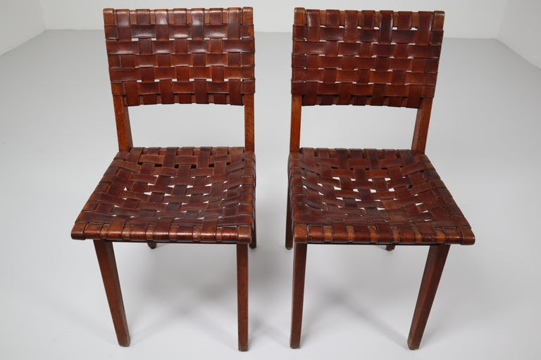 American Early Woven Leather Side Chairs Model No. 666 by Jens Risom for Knoll, 1940s For Sale