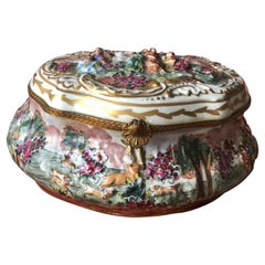 Early XXth Century Antique Italian Porcelain Box Capodimonte Richly Decorated