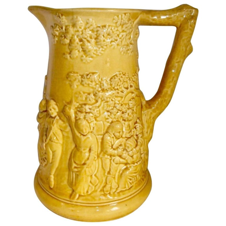 Early Yellow Majolica Pitcher Sarreguemines, circa 1870 For Sale