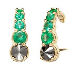 Earring 18 Karat Gold with 1.25 Carat Emerald and 1.7 Carat Black Diamonds