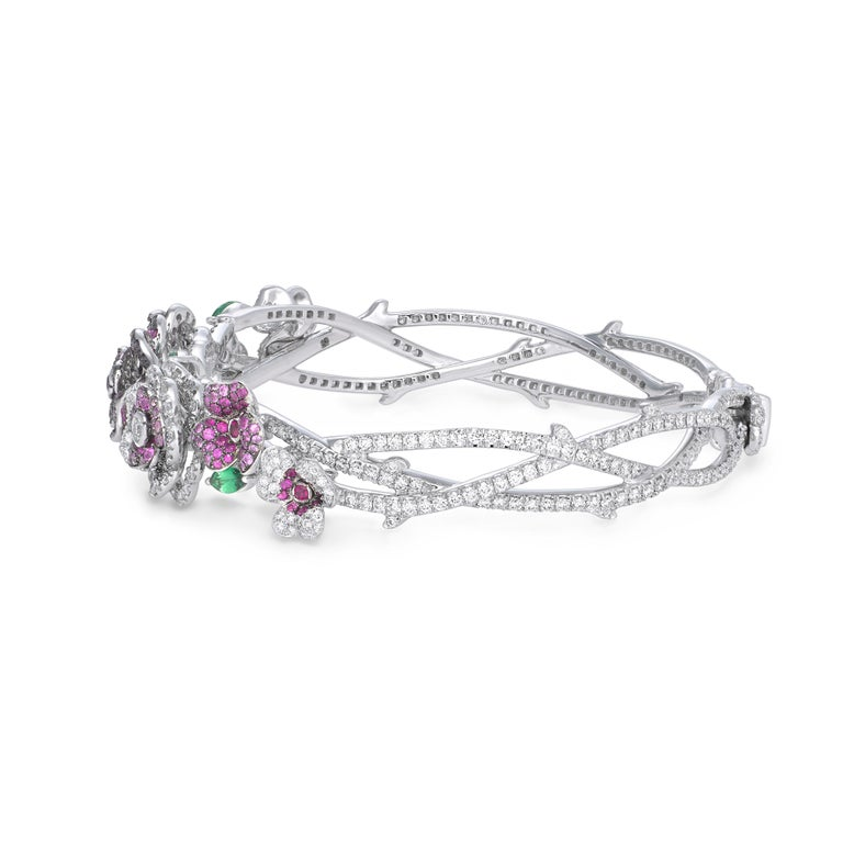 18K White Gold, White Diamonds, Pink Sapphires and Rubies Earrings and Bracelet In New Condition For Sale In Mayfair, London, GB