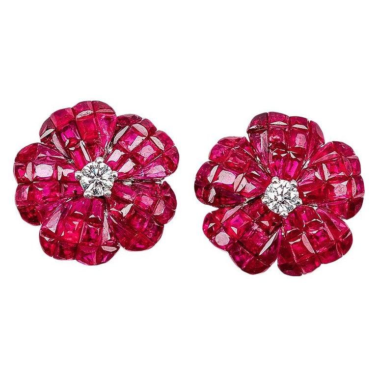 Earrings Diamond Stud 18 Karat White Gold For Sale