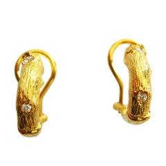 Earrings in 18 Karat Yellow Gold with Diamonds