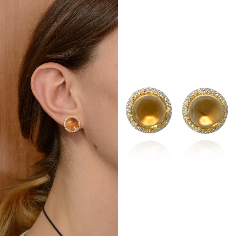 These delicious earcplips are every day chic. Luminous and brilliant, easy to combine to a casual outfit as well as to an elegant one. Handcrafted in 18K yellow gold, with fitting and clips. On request we can remove the fittings for no pieces