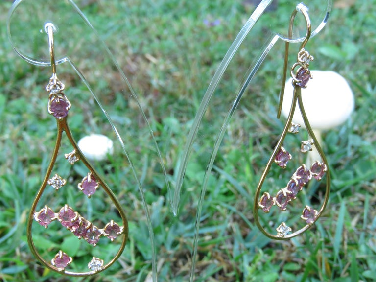 Rose 18 Kt Gold Diamonds Rubies Earrings Handcraft in Italy by Botta Gioielli In New Condition For Sale In Milano, IT