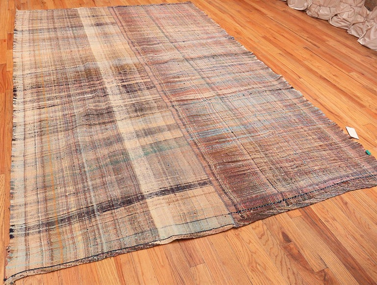 Earth Tone Vintage Persian Kilim Rug. Size: 7 ft 10 in x 11 ft 5 in For Sale 1