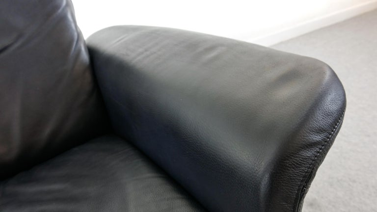 Easy Chair / Armchair in Black Leather by Skalma Denmark For Sale 4