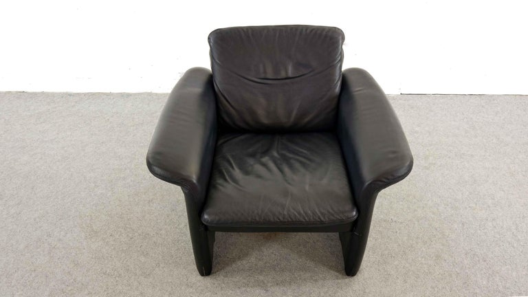 Easy Chair / Armchair in Black Leather by Skalma Denmark In Good Condition For Sale In Halle, DE