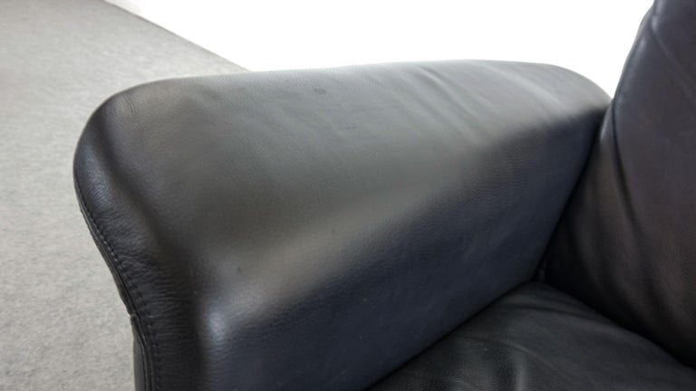 Easy Chair / Armchair in Black Leather by Skalma Denmark For Sale 3