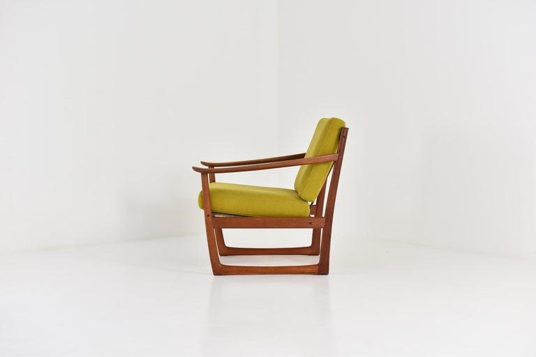 Scandinavian Modern Easy Chair by P. Hvidt and O. Molgaard-Nielsen for France & Søn, Denmark 1960's For Sale