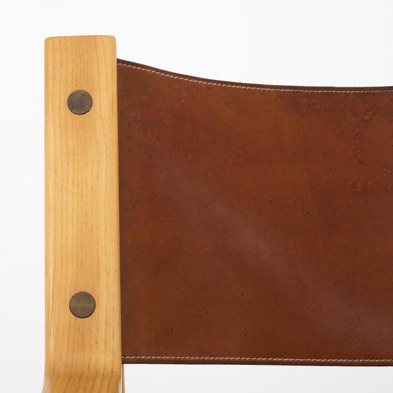 Scandinavian Modern Easy Chair in Original Leather by Hans J. Wegner For Sale