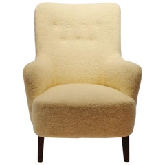 Easy Chair Upholstered with Sheep Wool and Legs of Mahogany from the 1940s