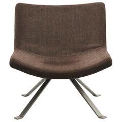 Sessel mit Beinen in Flachstahl
