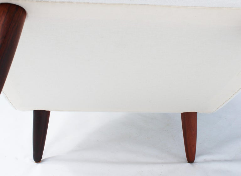 Easy Chair with Tall Back Upholstered in White Fabric, Danish Design, 1960s For Sale 3