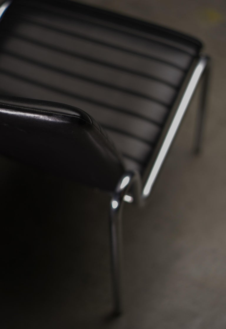 Mid-20th Century Easy Chairs 703 by Kho Liang Ie For Sale