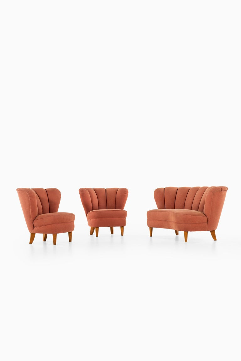 Easy Chairs in the Manner of Otto Schulz Produced in Sweden For Sale 1