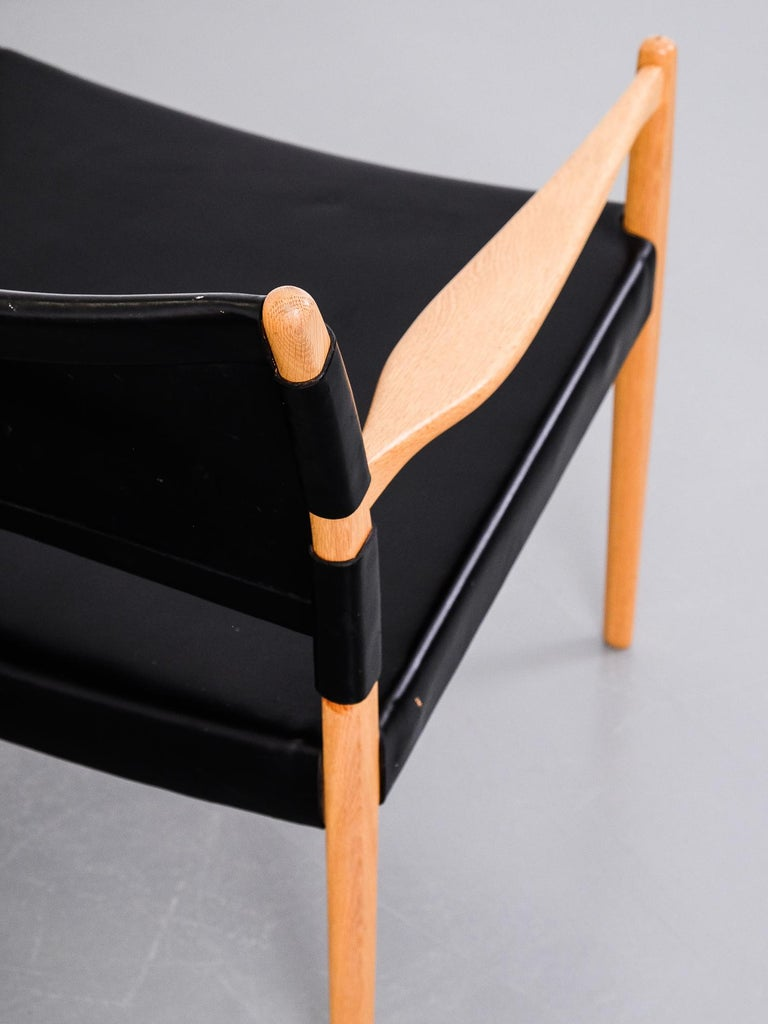 Easy Chairs Model