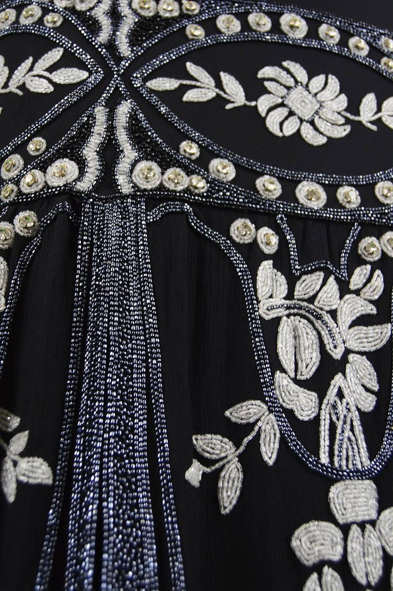 Eavis & Brown Vintage 1920s Art Deco Style Hand Beaded Silk Party Dress, 1980s For Sale 2