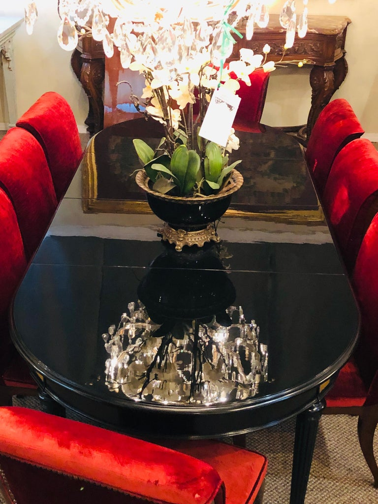 Ebony Lacquered Hollywood Regency Louis XVI Style Crank Dining Table M. Jansen In Good Condition For Sale In Stamford, CT
