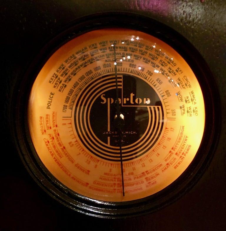 Ebony Sparton 517-B Radio Walter Dorwin Teague Art Deco Design In Good Condition In Oakland, CA
