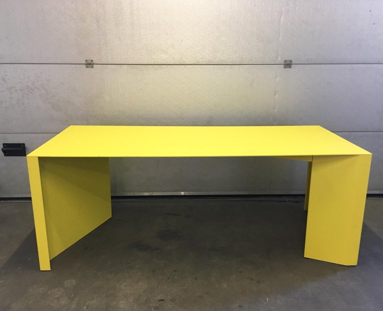 Eccentric Metal Yellow Z-Table by Claire Bataille and Paul Ibens for Bulo In Good Condition For Sale In Schagen, NL