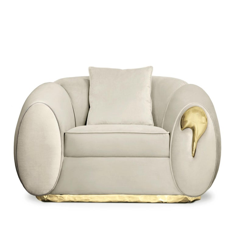 Eclat Armchair with Genuine Leather and Polished Brass In New Condition For Sale In Paris, FR
