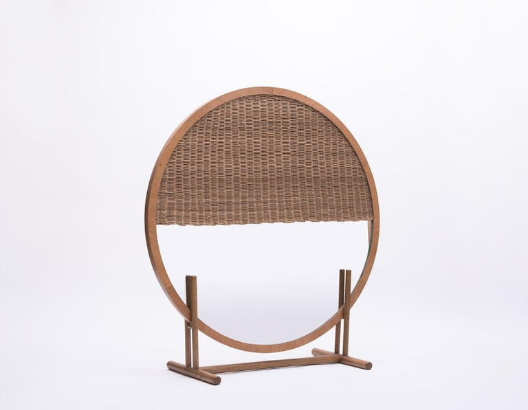 Eclipses were once one of the most important astronomical events in Mesoamerican cultures, full of mysticism and symbolism. This wicker and wood screen by the Guatemala City–based Agnes Studio plays with the duality between solid and void, shape and