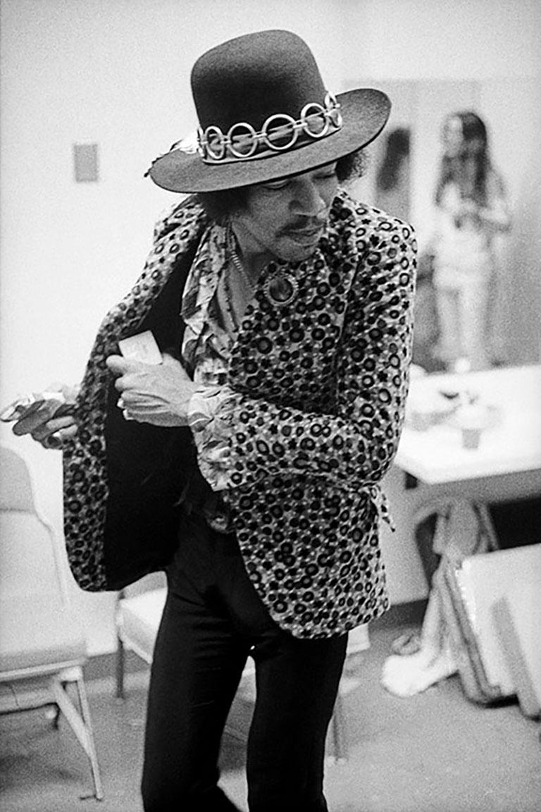 Jimi Hendrix, 1968 (Ed Caraeff - Black and White Photography) Silver Gelatin Print 16x20 : £1,440 20x24 : £1,920  30x40: £3,600  40x60: £4,800  Signed and numbered by the photographer on the bottom front border. Edition of 50 and 10 APs per