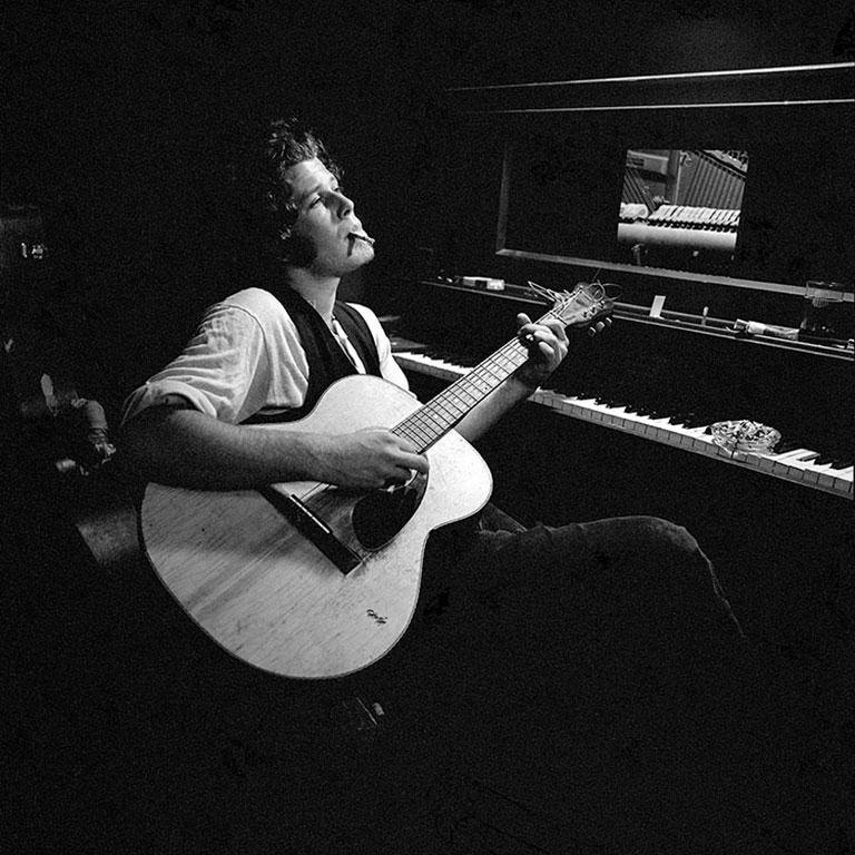Tom Waits, 1972 (Ed Caraeff - Black and White Photography) Silver Gelatin Print 16x20 : £1,440 20x24 : £1,920  30x40: £3,600  40x60: £4,800  Signed and numbered by the photographer on the bottom front border. Edition of 50 and 10 APs per