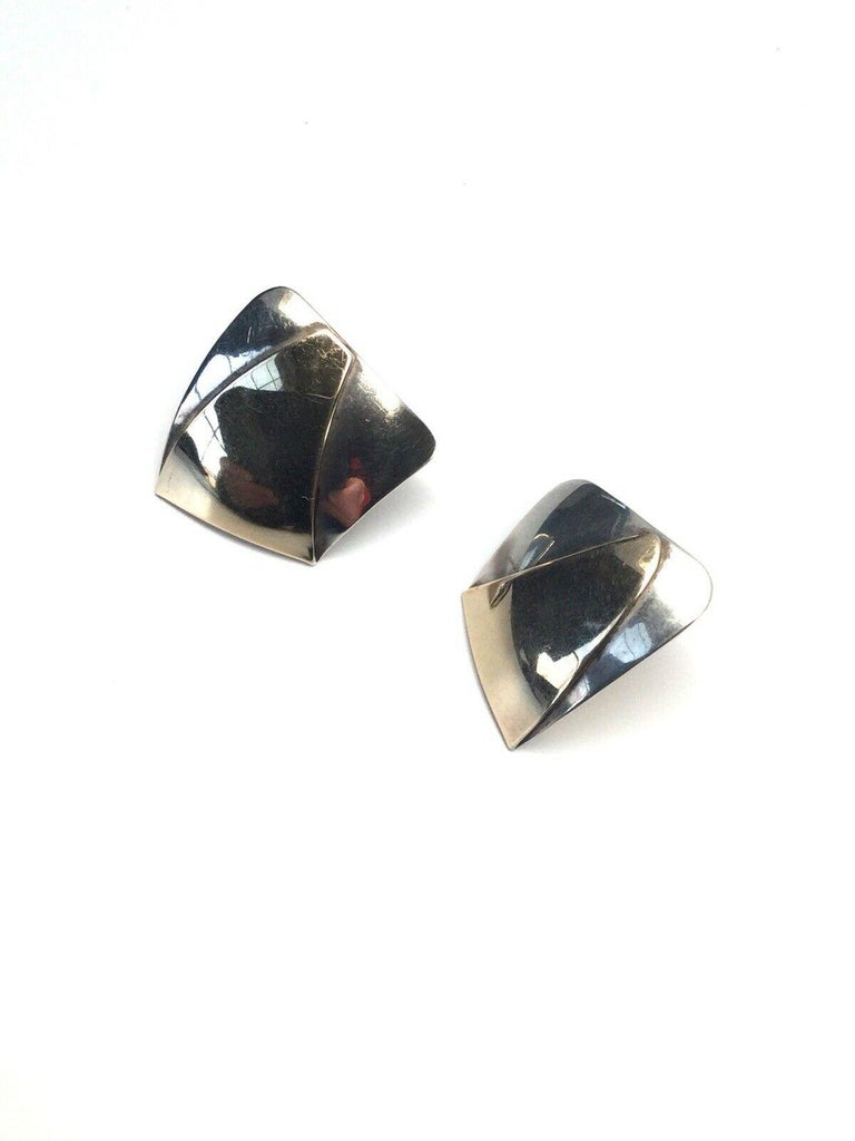 Ed Levin Modernist 14 Karat Sterling Silver Modernist Earrings In Good Condition For Sale In New Milford, CT
