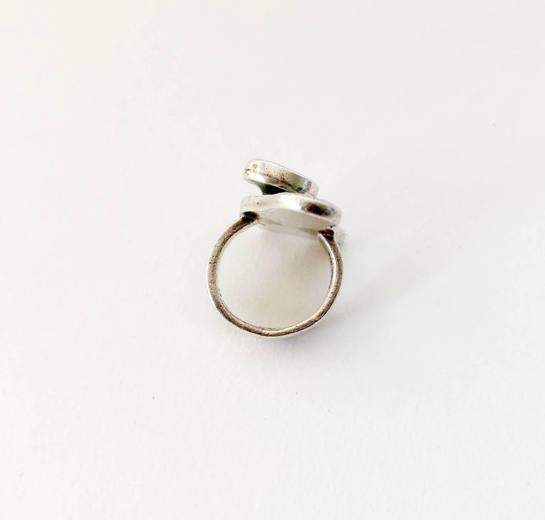 Ed Wiener Sterling Silver Opal Bi Level American Modernist Ring In Good Condition For Sale In Los Angeles, CA