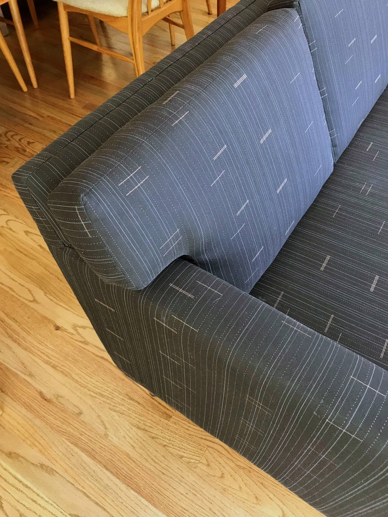 Ed Wormley for Dunbar Sofa In Good Condition For Sale In Portland, OR