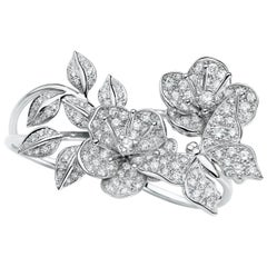 Édéenne Butterflies and Blossom Ring in Diamonds and 18 Karat White Gold