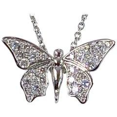 Édéenne Butterfly Diamonds and 18 Karat Gold Pendant