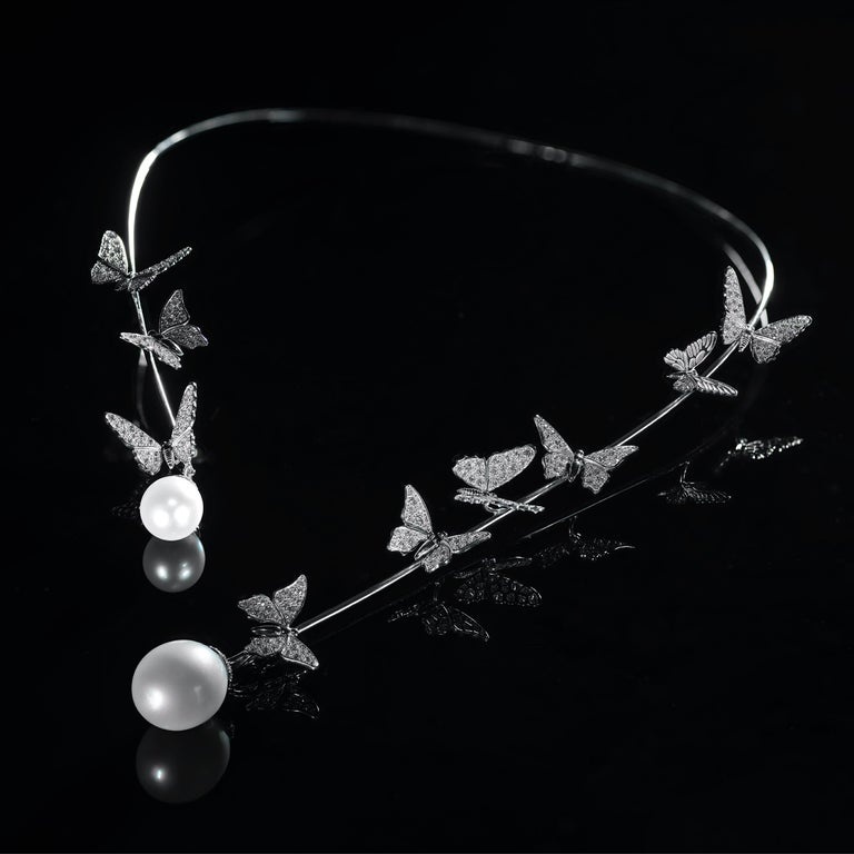 Contemporary Édéenne Butterfly Set of Diamonds and Pearl 18 Karat Gold Necklace and Ring For Sale