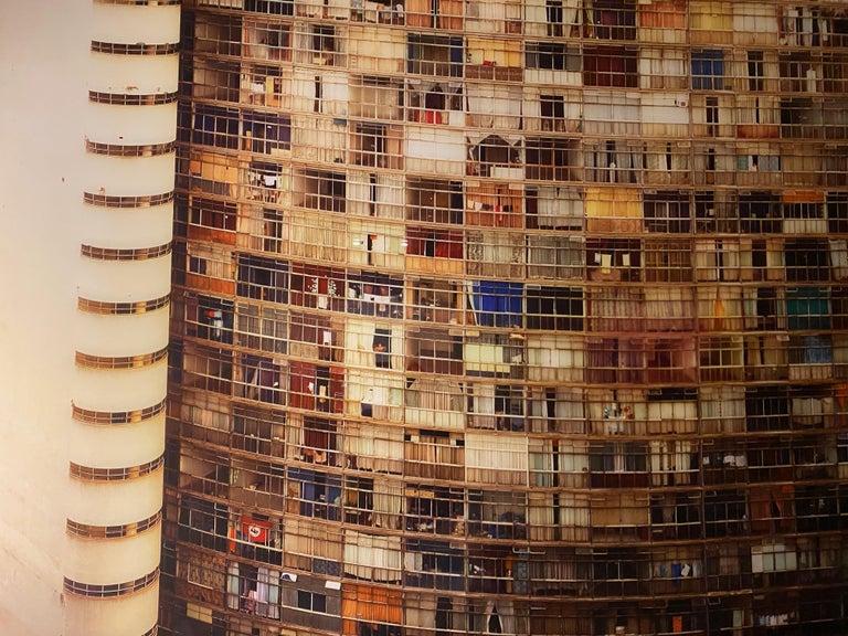 Modern Edifício Copan Color Photograph by Bob Wolfenson For Sale