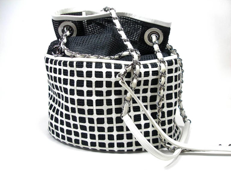 24683d8e8b594c Edition Limited Chanel White Leather and Mesh Black Fabric Bucket Shoulder  Bag For Sale 1