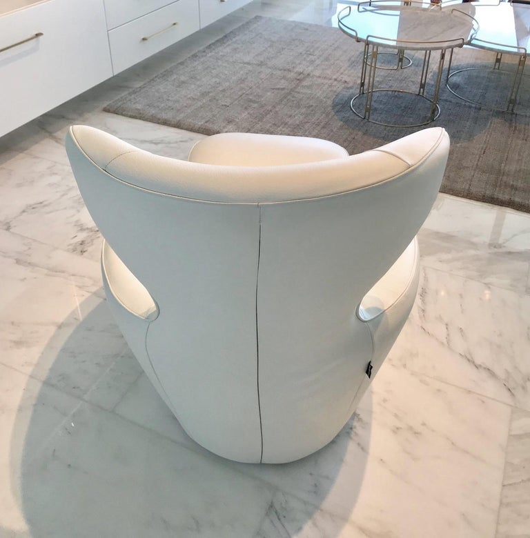 Foam Edito Swivel Lounge Chair in White Leather by Roche Bobois For Sale