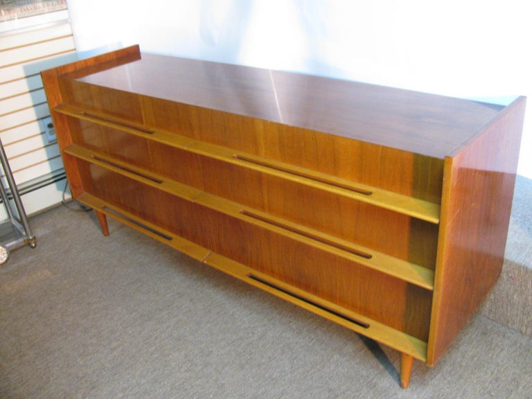 Edmond Spence Mid-Century Modern Long Dresser Walnut & Birch Made In Sweden In Good Condition For Sale In Port Jervis, NY
