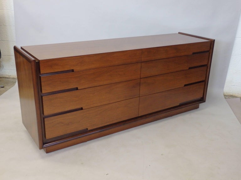 Edmund Spence Long Low Swedish Double Dresser with graduated drawers In Good Condition For Sale In Ferndale, MI