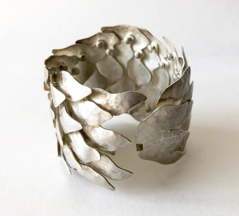 Artisan Eduardo Herrera Undulating Matte Silver Scales Bracelet For Sale