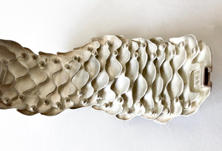 Eduardo Herrera Undulating Matte Silver Scales Bracelet For Sale 1