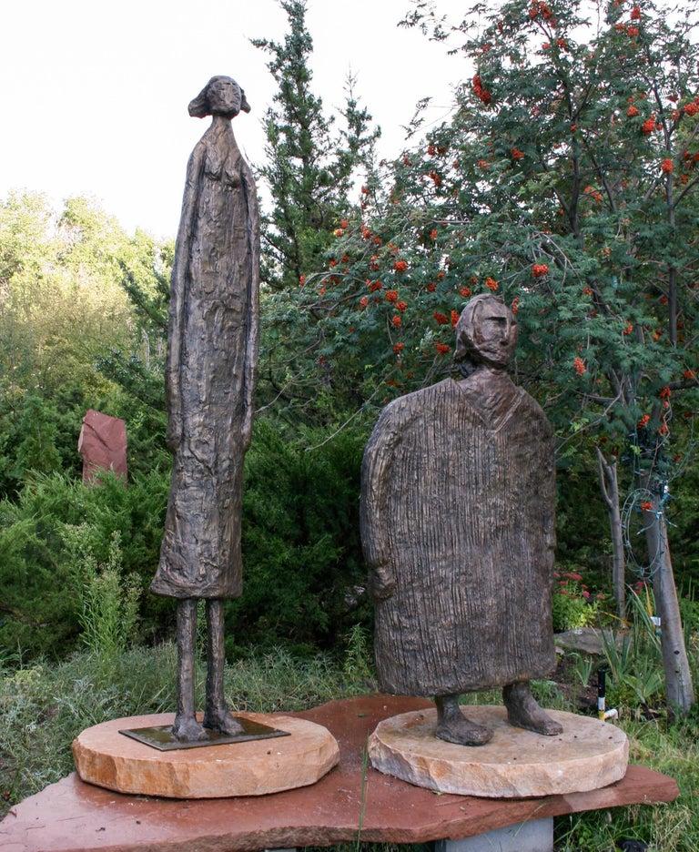 Horizontes (Horizons), Eduardo Oropeza, bronze friends sculpture, monumental - Contemporary Sculpture by Eduardo Oropeza