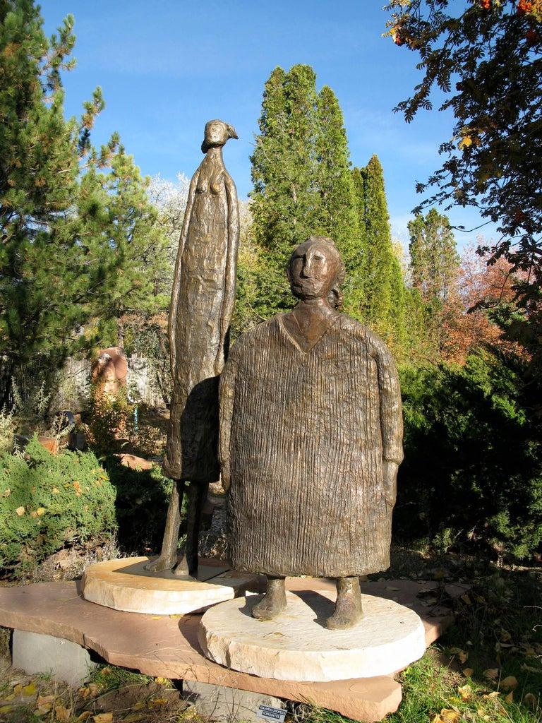 Horizontes (Horizons), Eduardo Oropeza, bronze friends sculpture, monumental For Sale 1