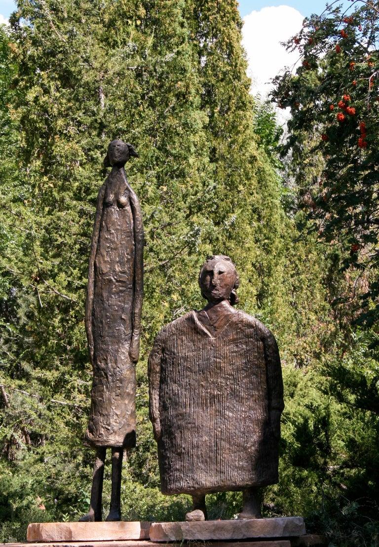 Horizontes (Horizons), Eduardo Oropeza, bronze friends sculpture, monumental For Sale 2