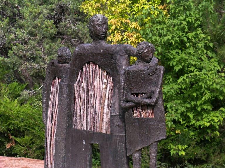 Jealousy, bronze twigs edition sculpture of man with two women, Eduardo Oropeza - Contemporary Sculpture by Eduardo Oropeza
