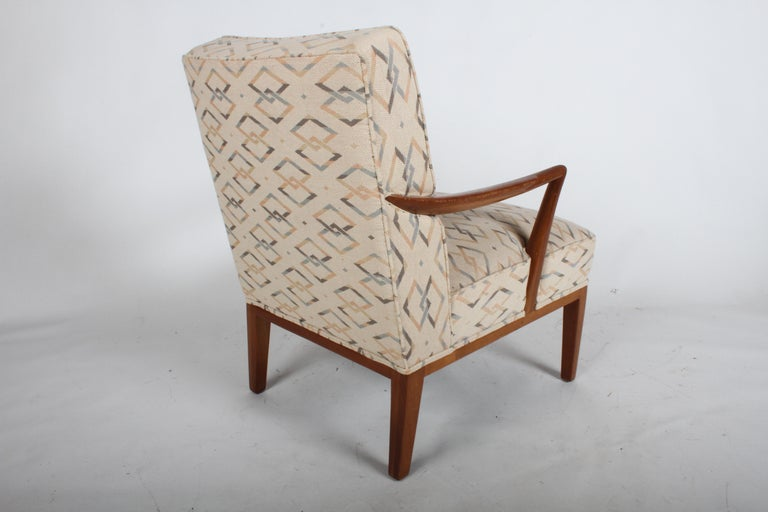 Edward J. Wormley for Dunbar Arm Lounge Chair In Good Condition For Sale In St. Louis, MO